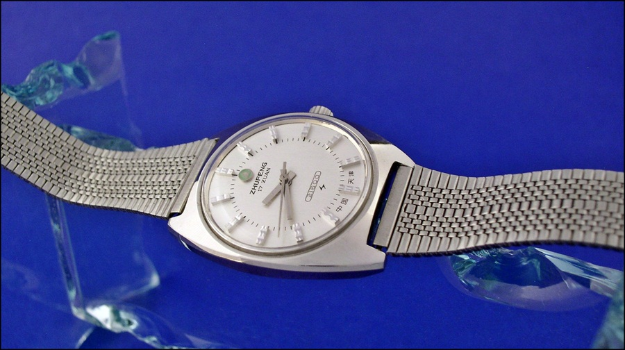 VERY inexpensive bracelet for vintage Chinese watches - Jinji nooshoos ( Zhufeng_bracelet_1