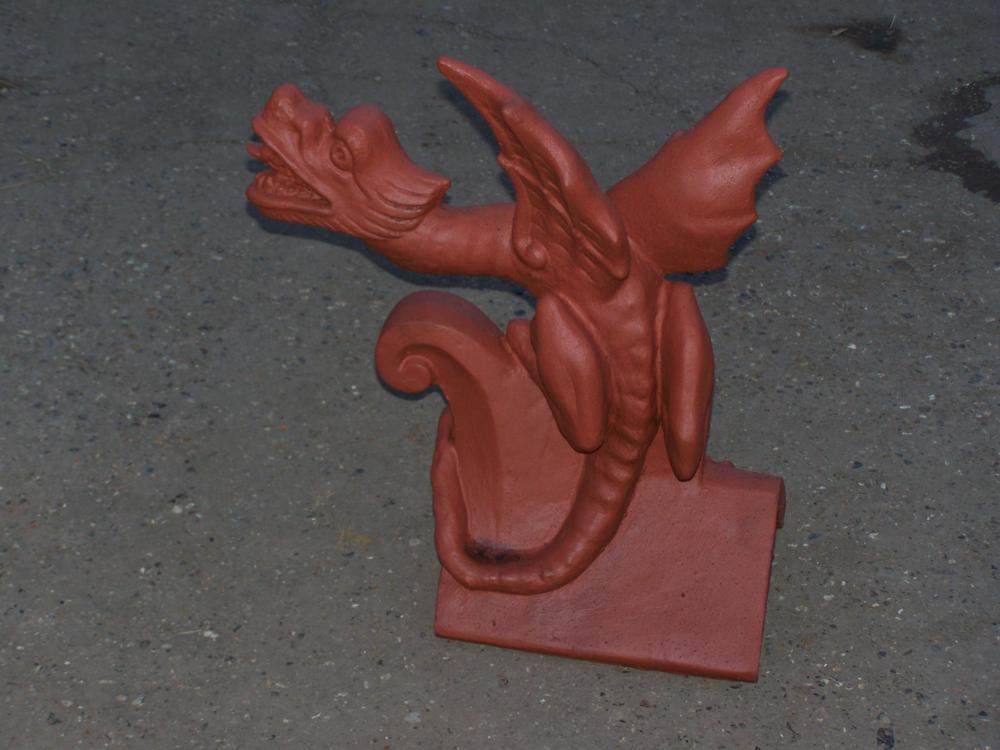 Pour la déco du Manoir du Dragon Oriental%20poking%20tongue%20roof%20dragon