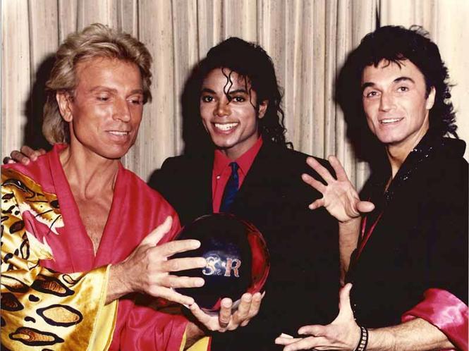 Michael Jackson Com Famosos 1513148814-michael-jackson-siegfried-2934