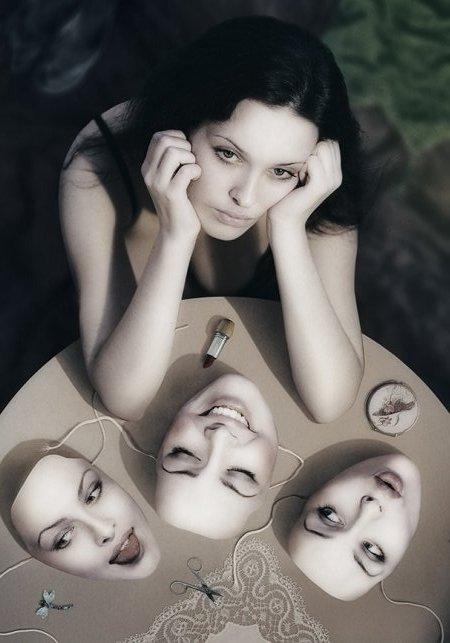 Psicologia dell'Ipocrisia Maschera1