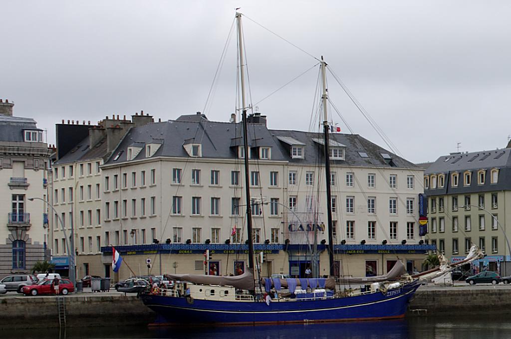 DxO et la correction de perspectives Cherbourg_Port_04a