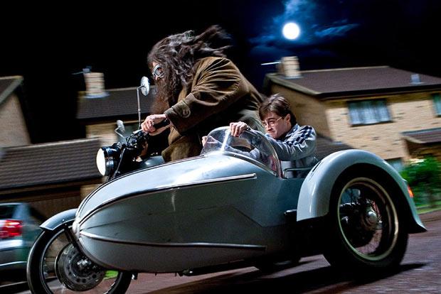 Side chef Lignac? Harry-Potter-sidecar-Royal-Enfield