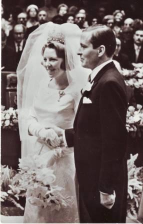 La reina Beatrix y su familia IMAGE0052