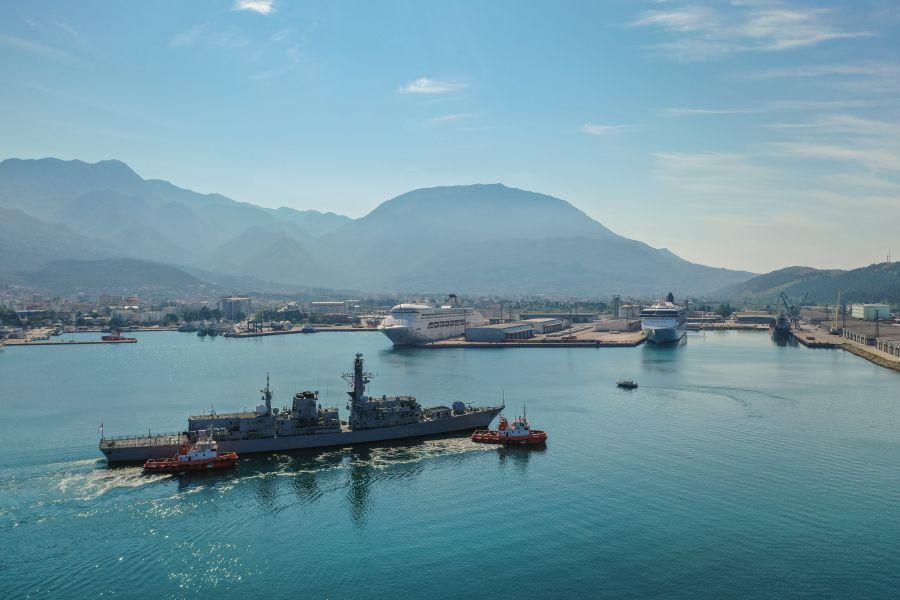 U CG uplovio britanski ratni brod i državna ministarka za pitanje obrane Dron-2
