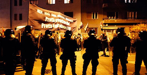Croacia se  había contagiado de las revueltas y no nos lo decian... 1299647065515