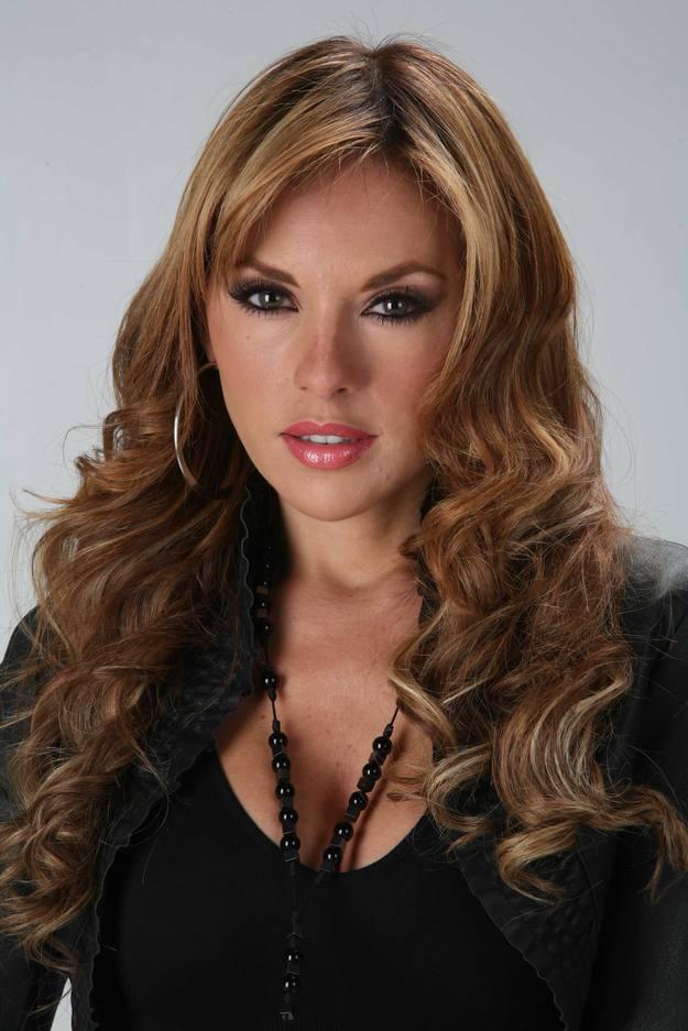 Ванесса Вильелла / Vanessa Villela - Страница 4 1308123730733