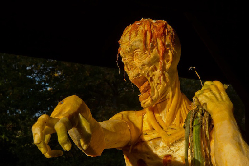 Идеи для Хэллоуина    - Страница 3 1351244977_zombie-pumpkin-7