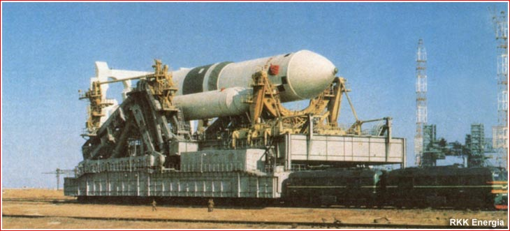Russian Launch Vehicles and their Spacecraft: Thoughts & News - Page 2 Rollout_1