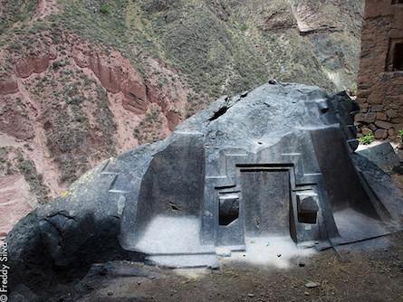 The Mysterious Ruins of the Sacred Valley of Peru: Ñaupa Iglesia Peru-naupa-iglesia-IT-445px