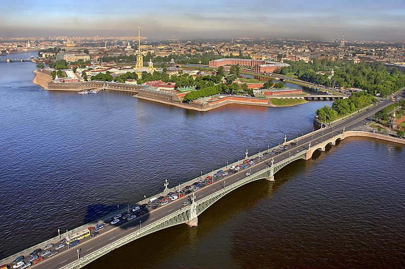 Rusija Aerial-view-of-trinity-bridge-in-st-petersburg