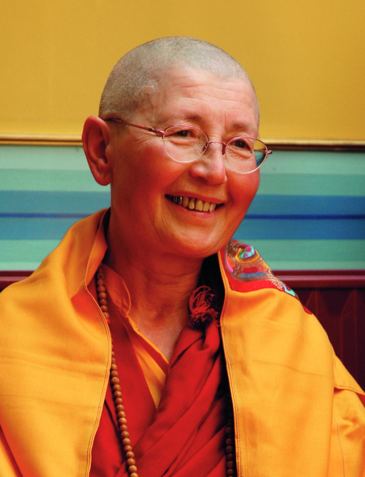 """Evénement: Enseignements """"Lettre à un ami"""" de Nagarjuna (novembre et décembre 2017) - Lama Rinchen Palmo (Bruxelles) Lama%20rinchen%202016"""