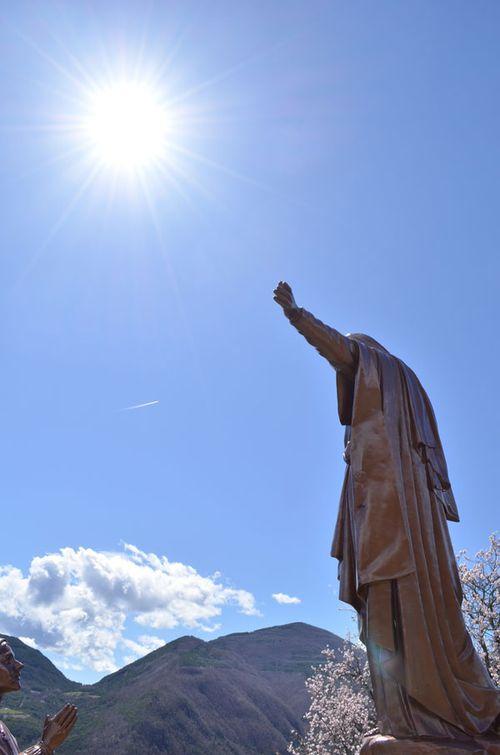 Prières partagées à Notre Seigneur, à notre Sainte Mère.  069c768a42