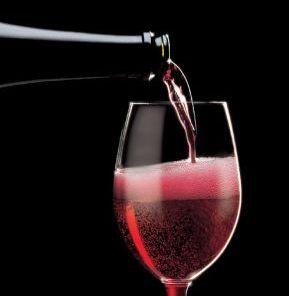 Il rapporto col cibo Bottiglia_bicchiere_-lambrusco