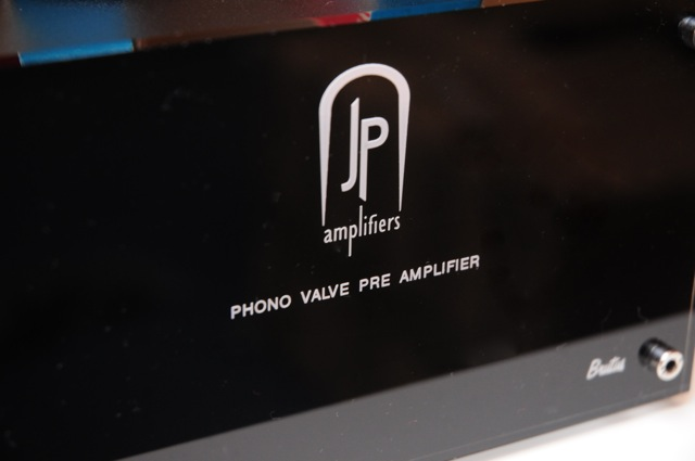 Hybrid phono preamp D30_3463
