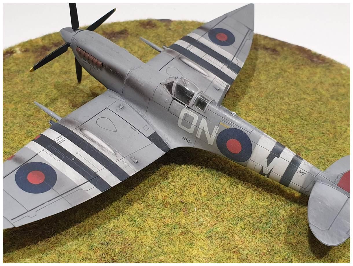 [Italeri] Supermarine spitfire Mk VII 20191213_155946r