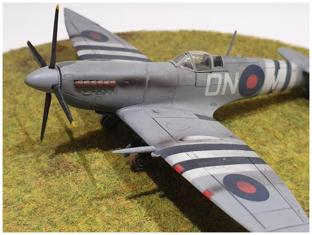 [Italeri] Supermarine spitfire Mk VII 20191213_160006r