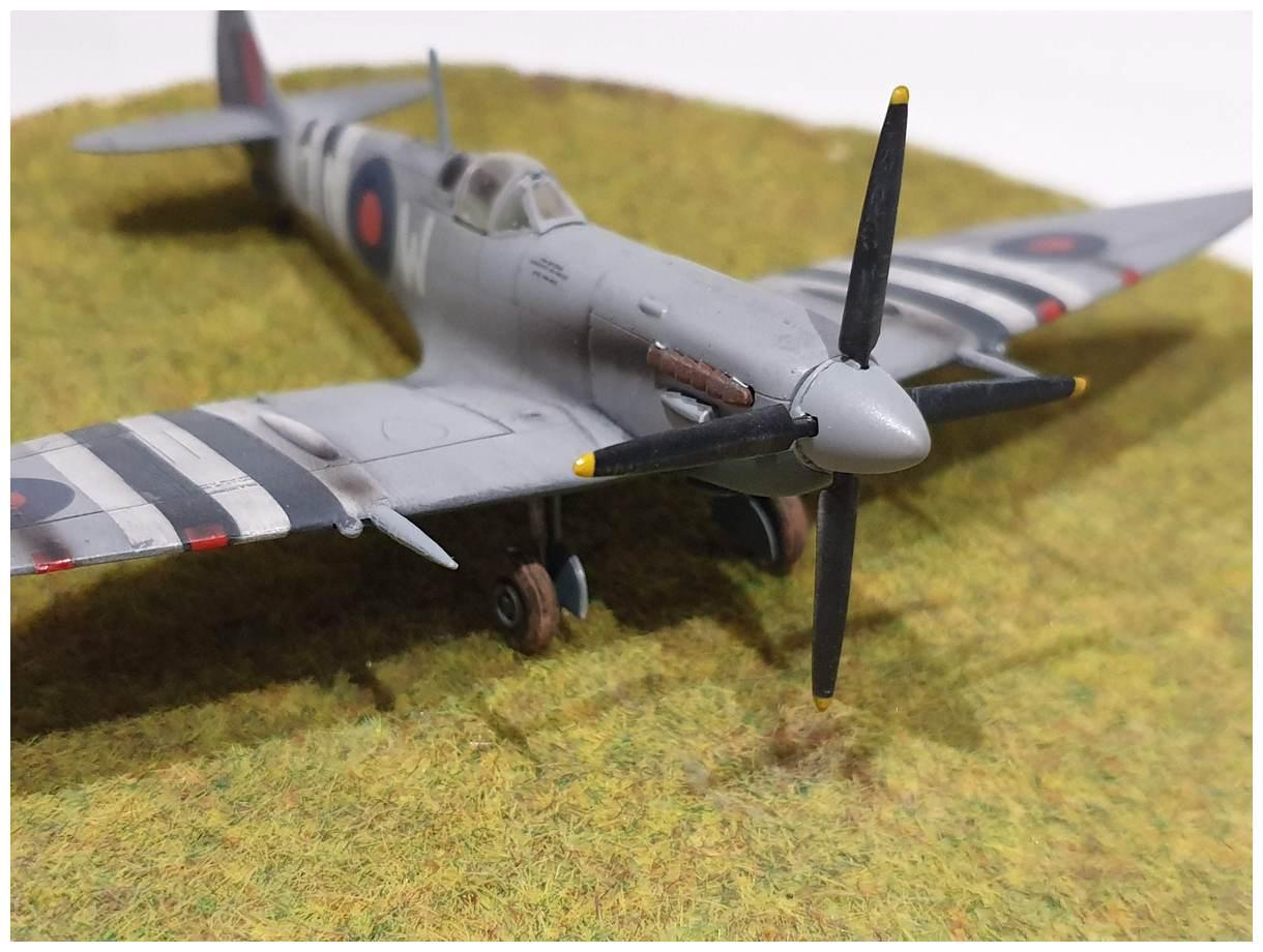 [Italeri] Supermarine spitfire Mk VII 20191213_160027r