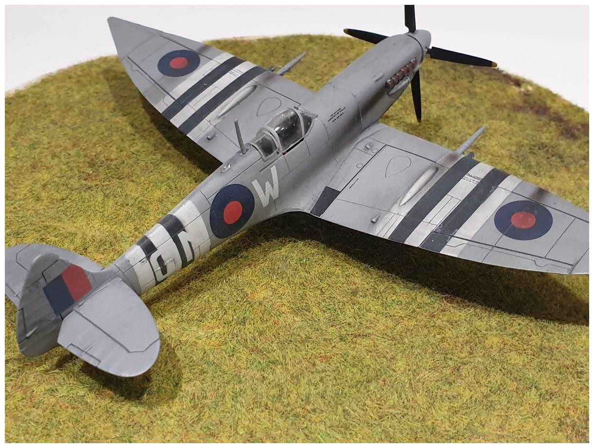 [Italeri] Supermarine spitfire Mk VII 20191213_160033r