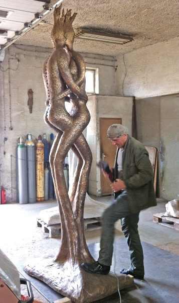 Čudne statue širom sveta - Page 11 Stephan-Lupino