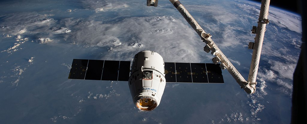 SpaceX Launches Cargo Mission Number 11 Reusing an Old Dragon Spacex_dragon_1024