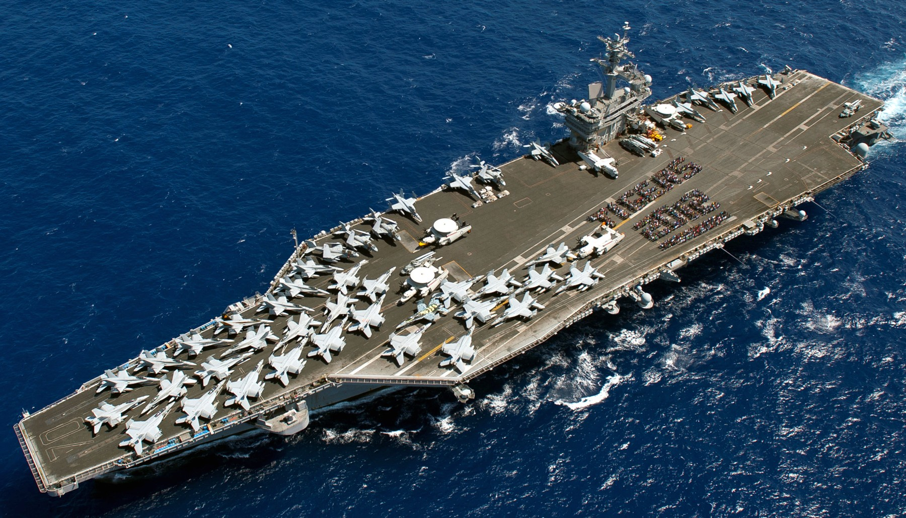 Future russian aircraft carriers. #2 - Page 3 CVN-70-USS-Carl-Vinson-photo-056