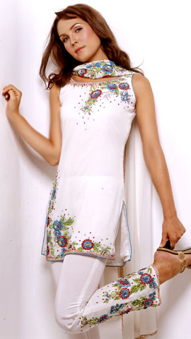 لبس العروس الهنديه  1000-50b