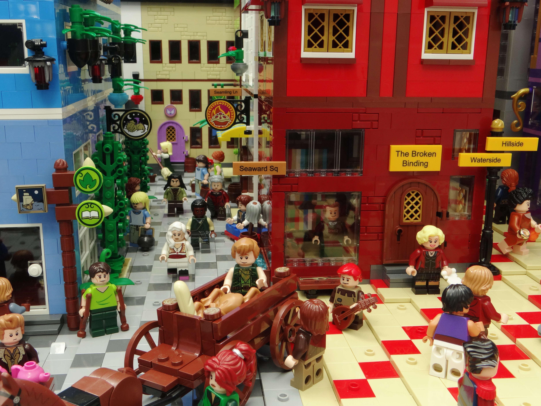 Figuras LEGO de Kvothe y Denna Tarbean4_kvothe