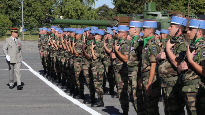 Création d'un nouveau régiment ! le 5ème Régiment de Dragons, vient de voir le jour au camp de Mailly !  Est-ce qu'enfin les menaces qui pèsent sur notre pays sont prises en compte par nos gouvernants ? 5R%C3%A9gimentDragonsMailly-678x381