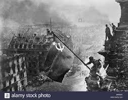 ALEP: Une ville entière à reconstruire...dans les quartiers chrétiens d'ALEP libérés. Alep! l'imposture de la communauté internationale Berlin-Drapeau-Russe-ruines-1945