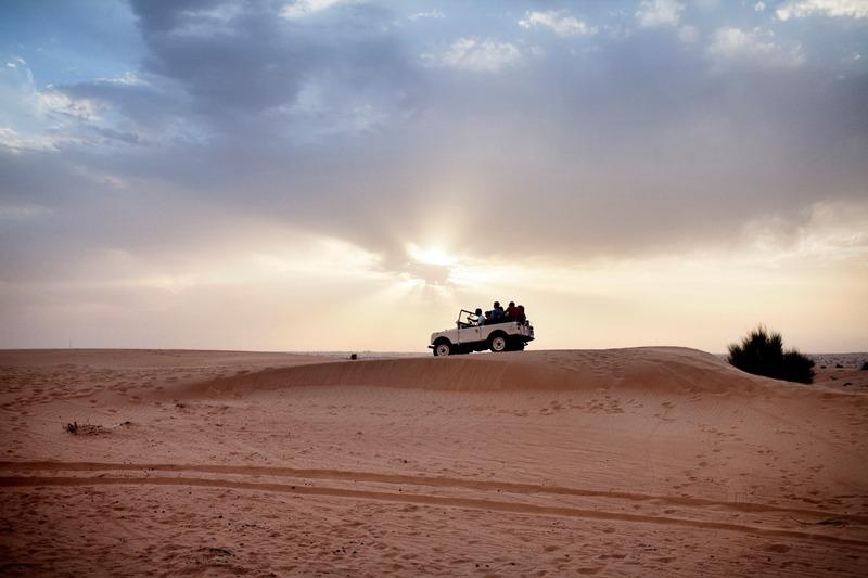 Dubai - Page 2 Adventure_Desert-Safari_Car-on-dune-sunset