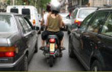 Manual de Consejos Conductivos para la Ciudad Semaforos-12-entre-coches