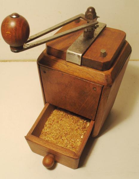 Le moulin à café 1391199221-pimentpoudre03