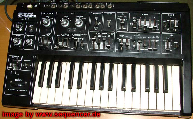 Le topic des claviers / synthés vintage Roland_SH1_synthesizer