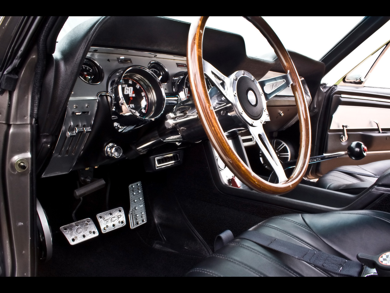 Accidente aéreo en Bali 1967-Mustang-Fastback-Gone-in-60-Seconds-Eleanor-Dashboard-1280x960