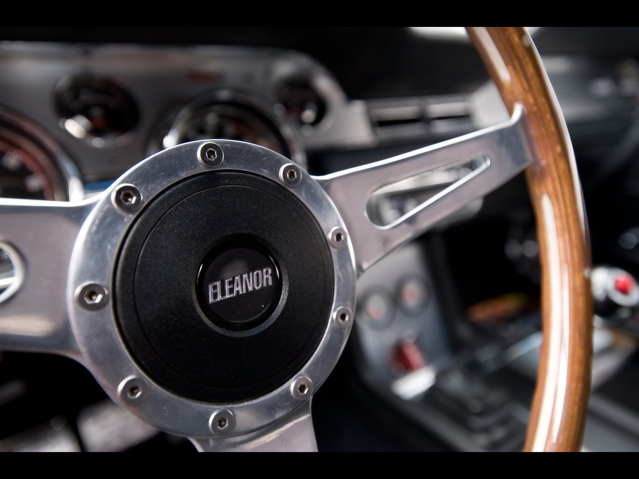 Accidente aéreo en Bali 1967-Mustang-Fastback-Gone-in-60-Seconds-Eleanor-Steering-Wheel-1280x960