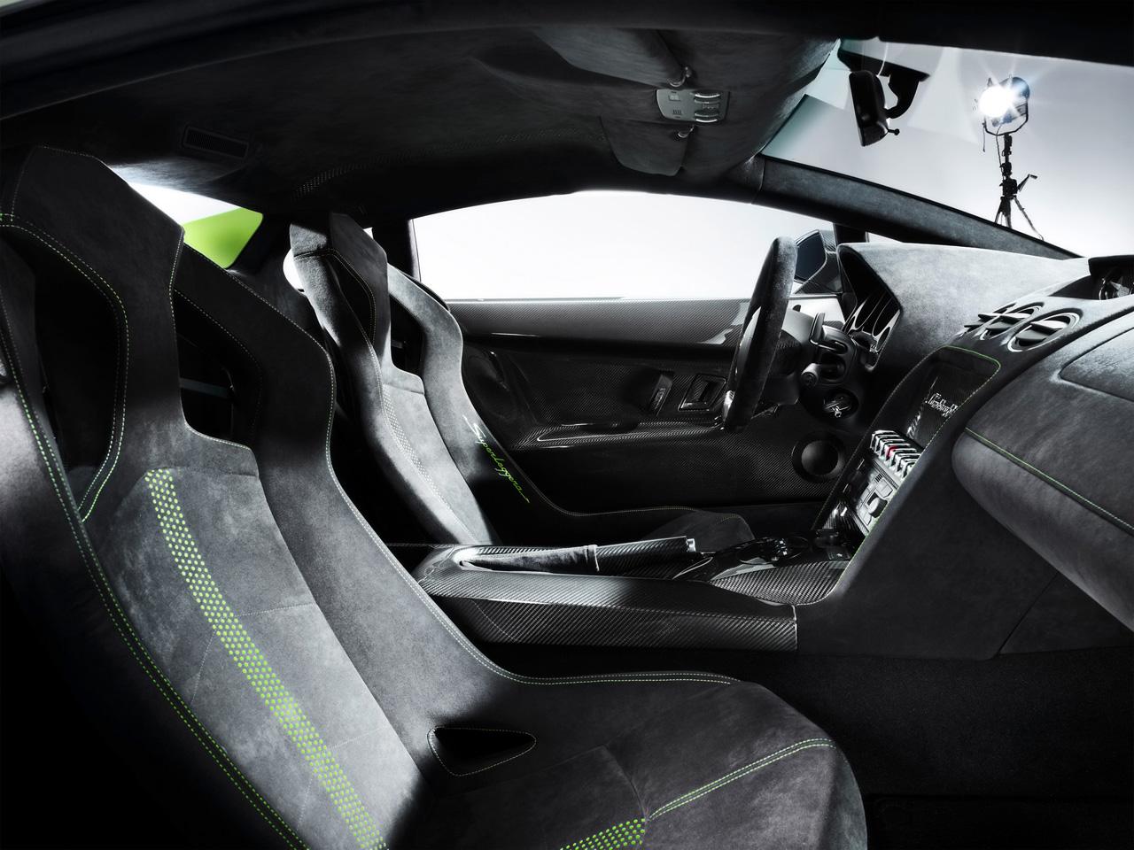 Idee per interno 2010-Lamborghini-Gallardo-LP-570-4-Superleggera-Interior-1280x960