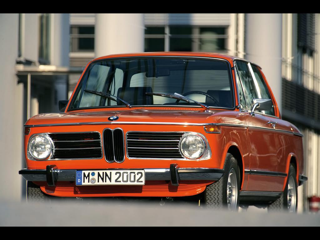 Vos plus beaux fonds d'écrans - Page 3 BMW-2002-tii-Reconstructed-Front-Angle-1024x768