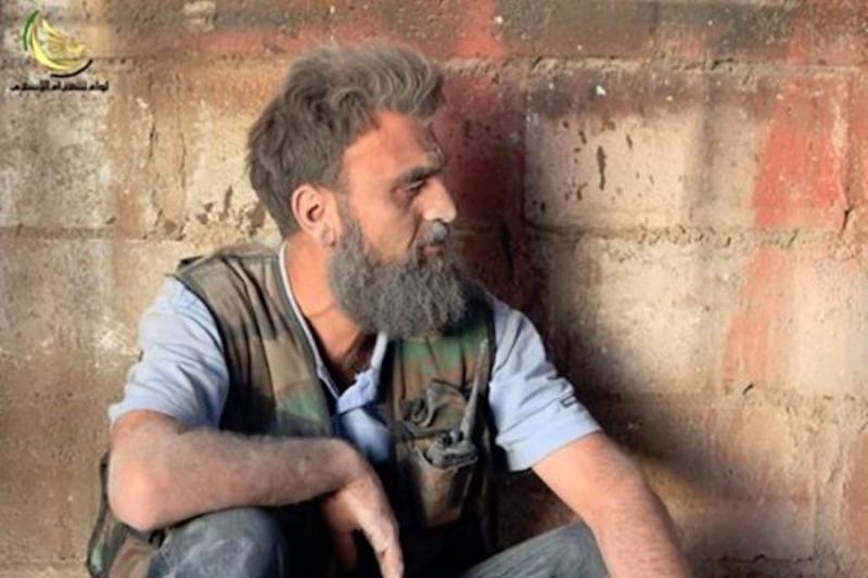 """بعد سنوات القتال .. وفاة """"أبو جعفر"""" أبرز قيادي داريا العسكريين في ادلب 4492812dc6cf62c66d5d815313624ed2_L"""