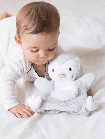 افكار لهدايا الاطفال Peluche-marionnette-pingouin-gris-chine-bebe-garcon-vq248-1-fr1