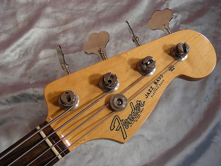 Mostre o mais belo Jazz Bass que você já viu - Página 7 Big%20fender%20jazz%20bass%2062%20whtDSCN4262