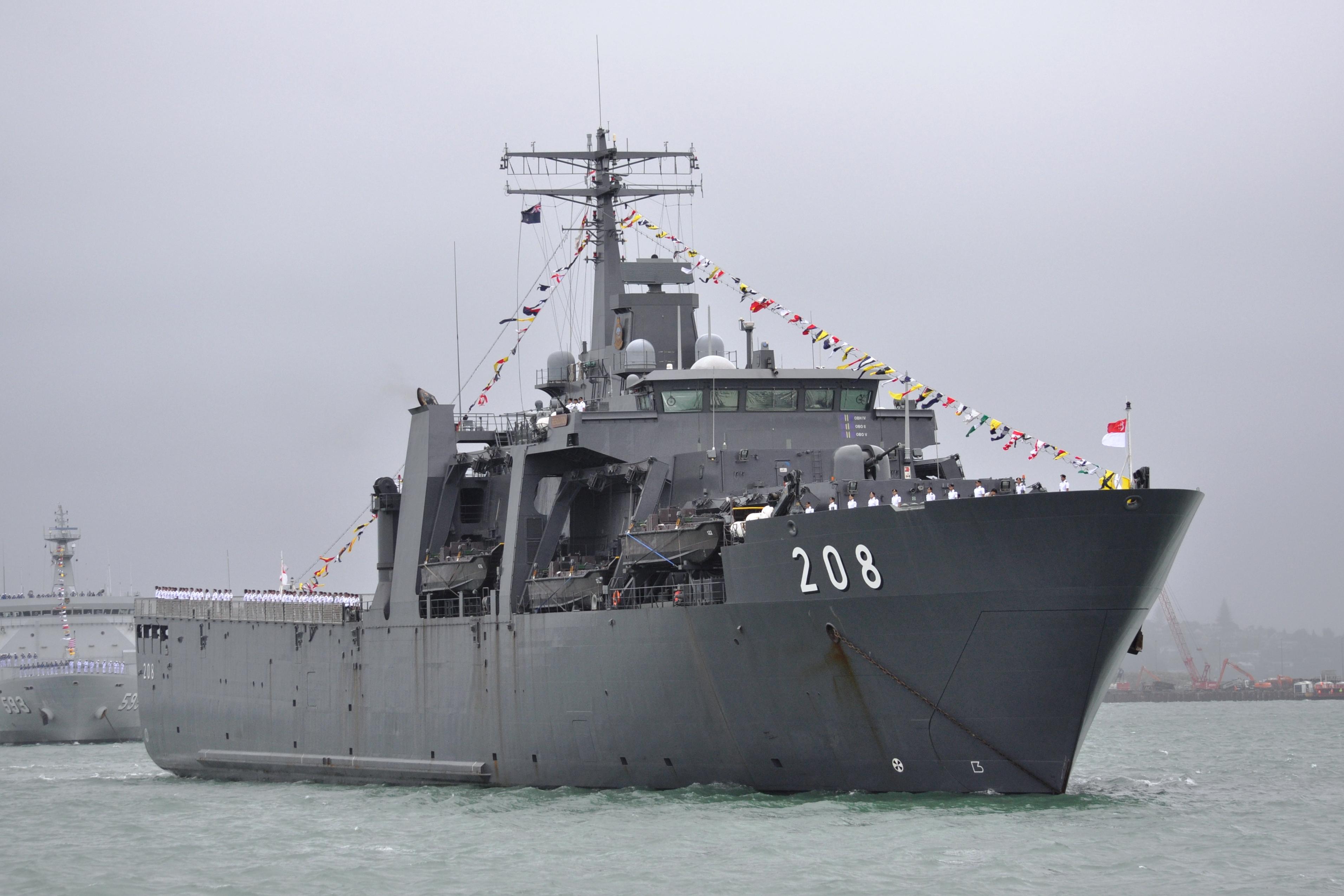 Singapore Navy - Marine de Singapour - Page 2 2619700