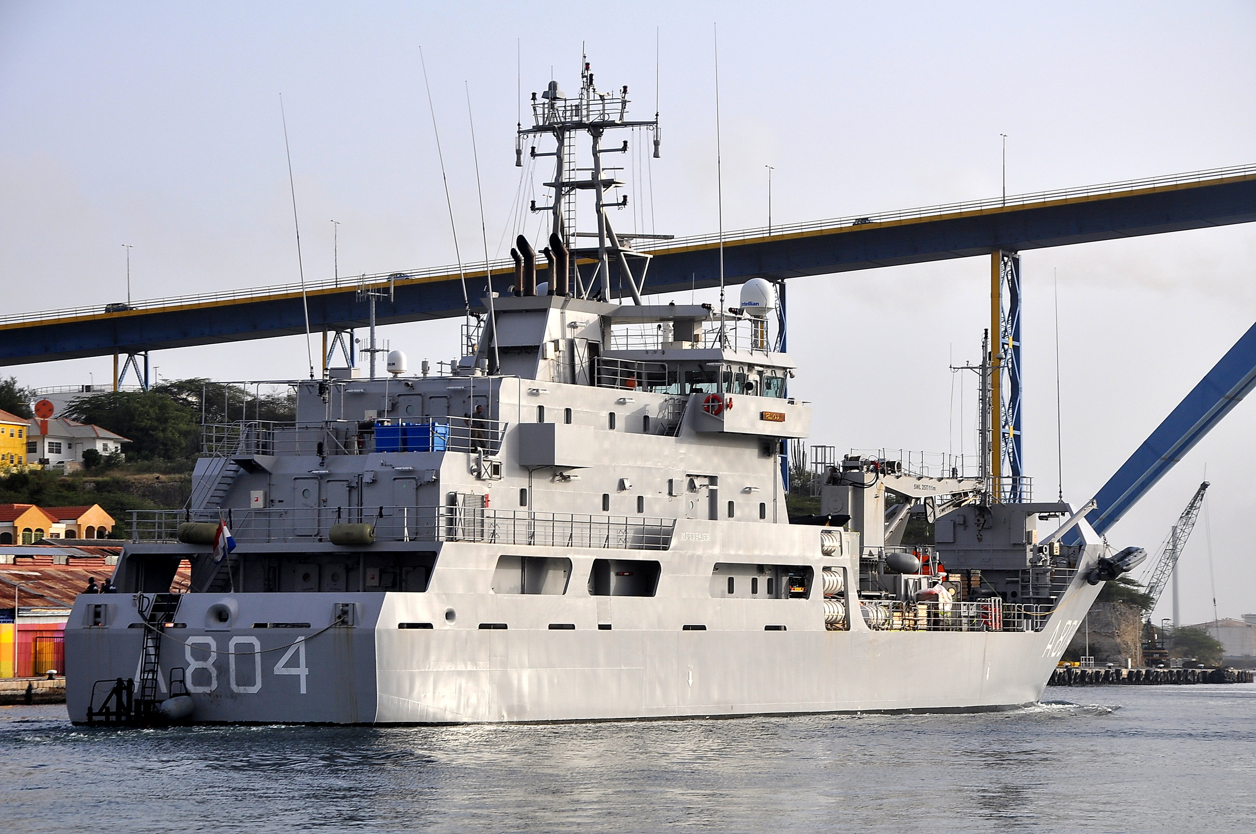 Logistic support vessel HNLMS Pelikaan (A804) 2669751