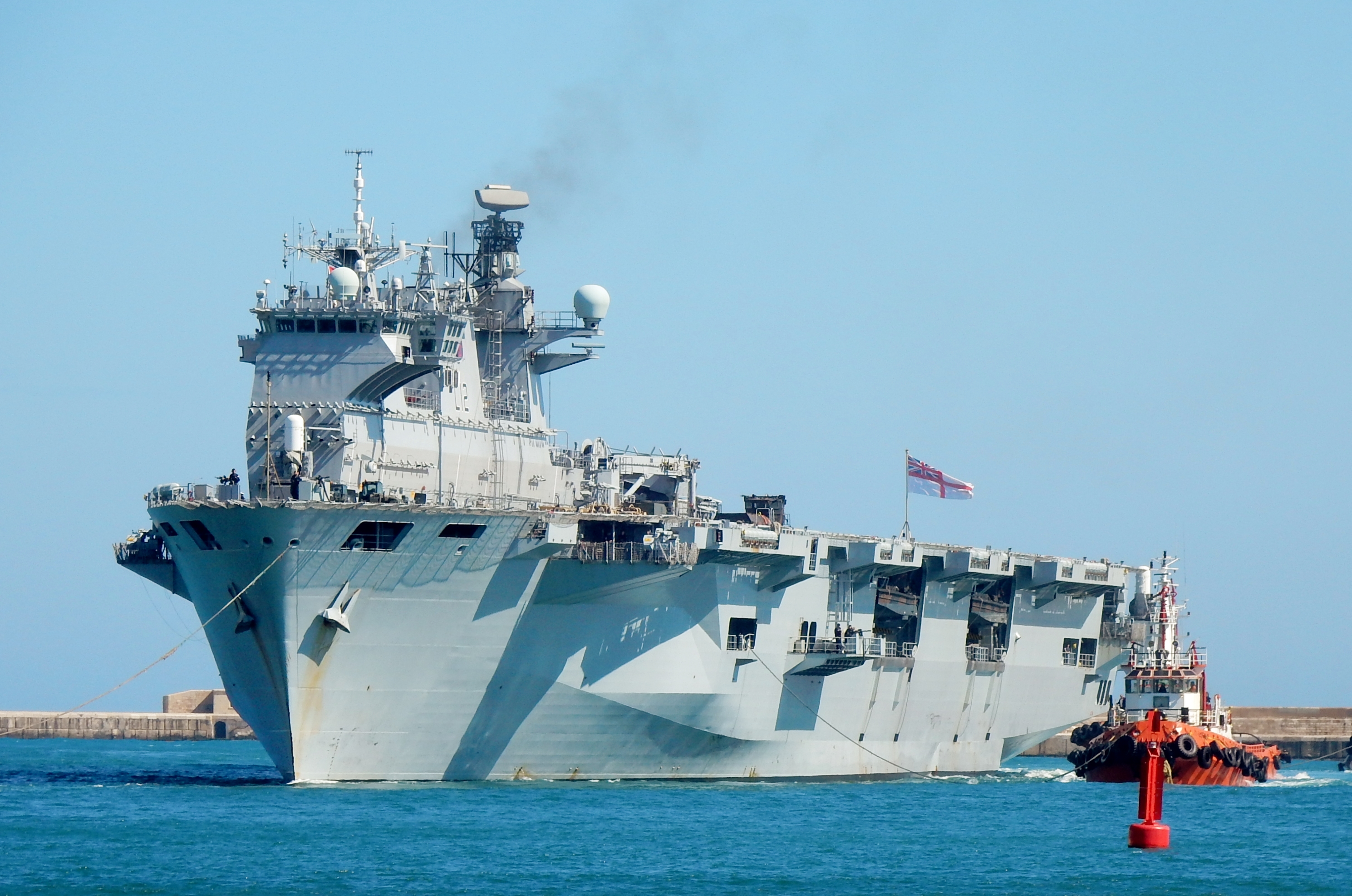 Helicopter carrier HMS Ocean (L12) 2627482