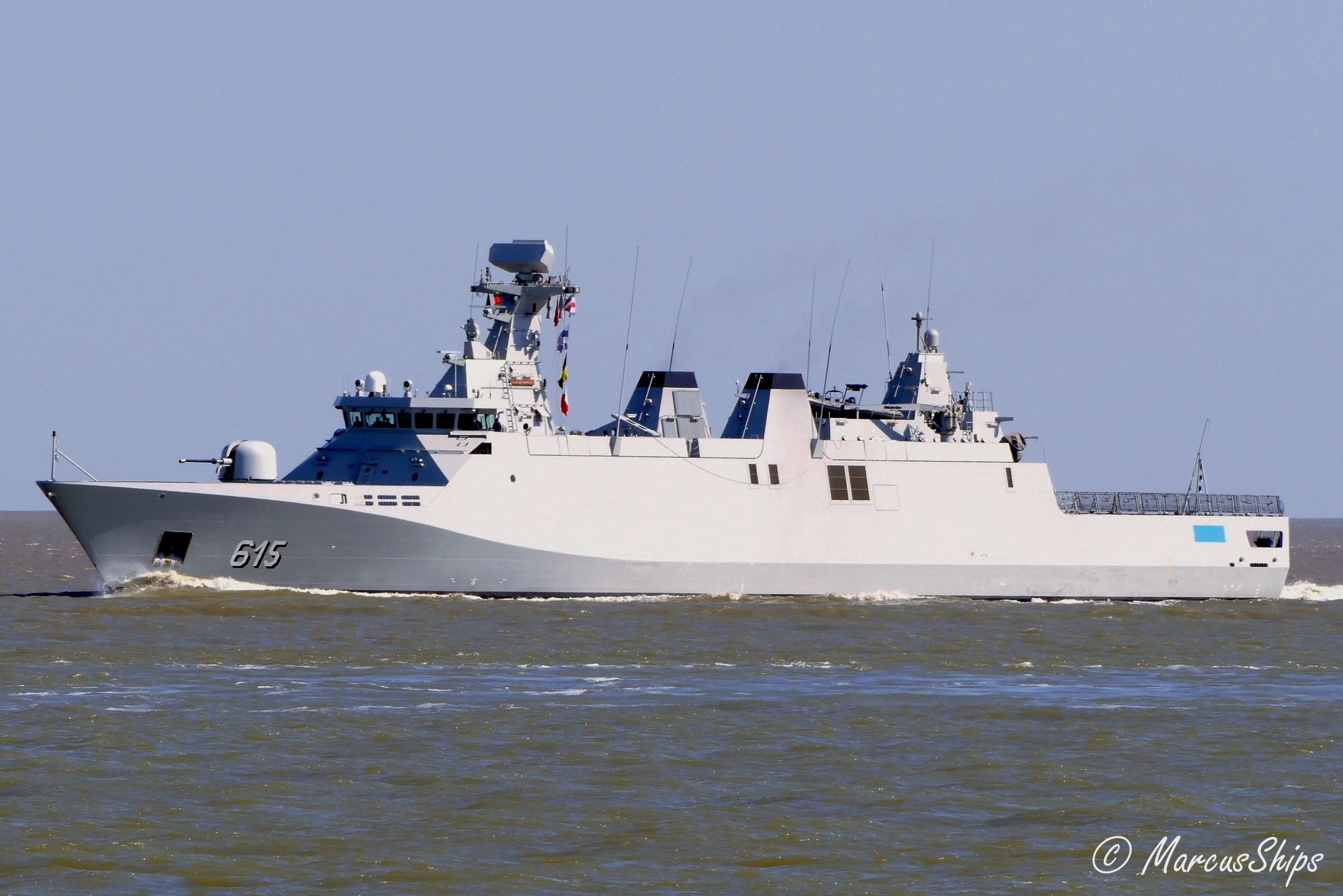Royal Moroccan Navy Sigma class frigates / Frégates marocaines multimissions Sigma - Page 25 3062444