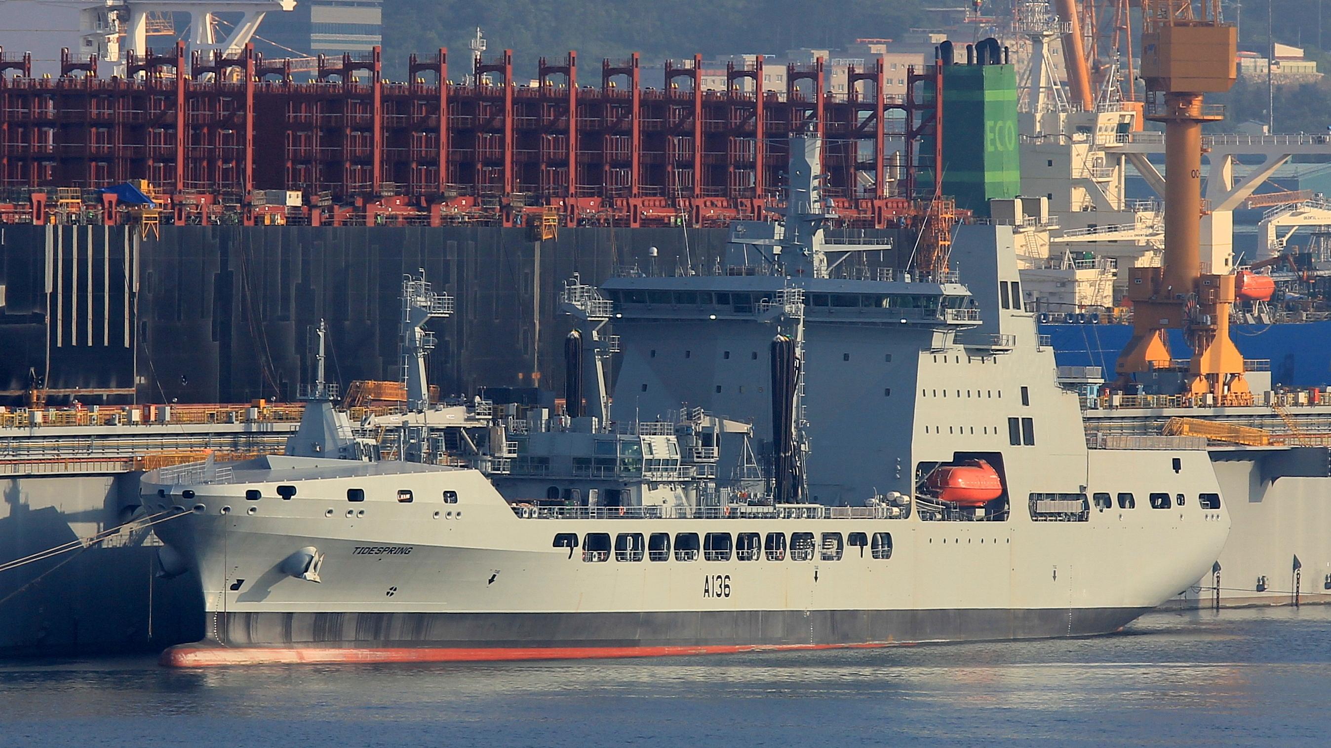 RFA : Royal Fleet Auxiliary - Page 2 2482755