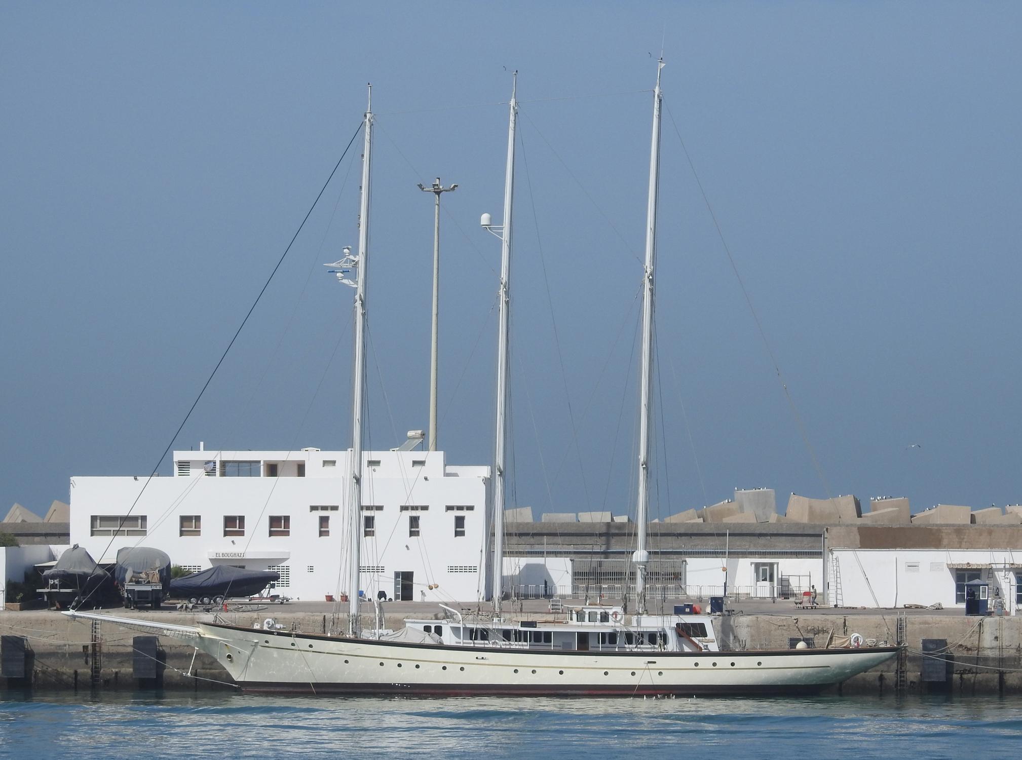 la flotte des Yachts Royals : El Boughaz I - Badis 1 - Page 2 3006087