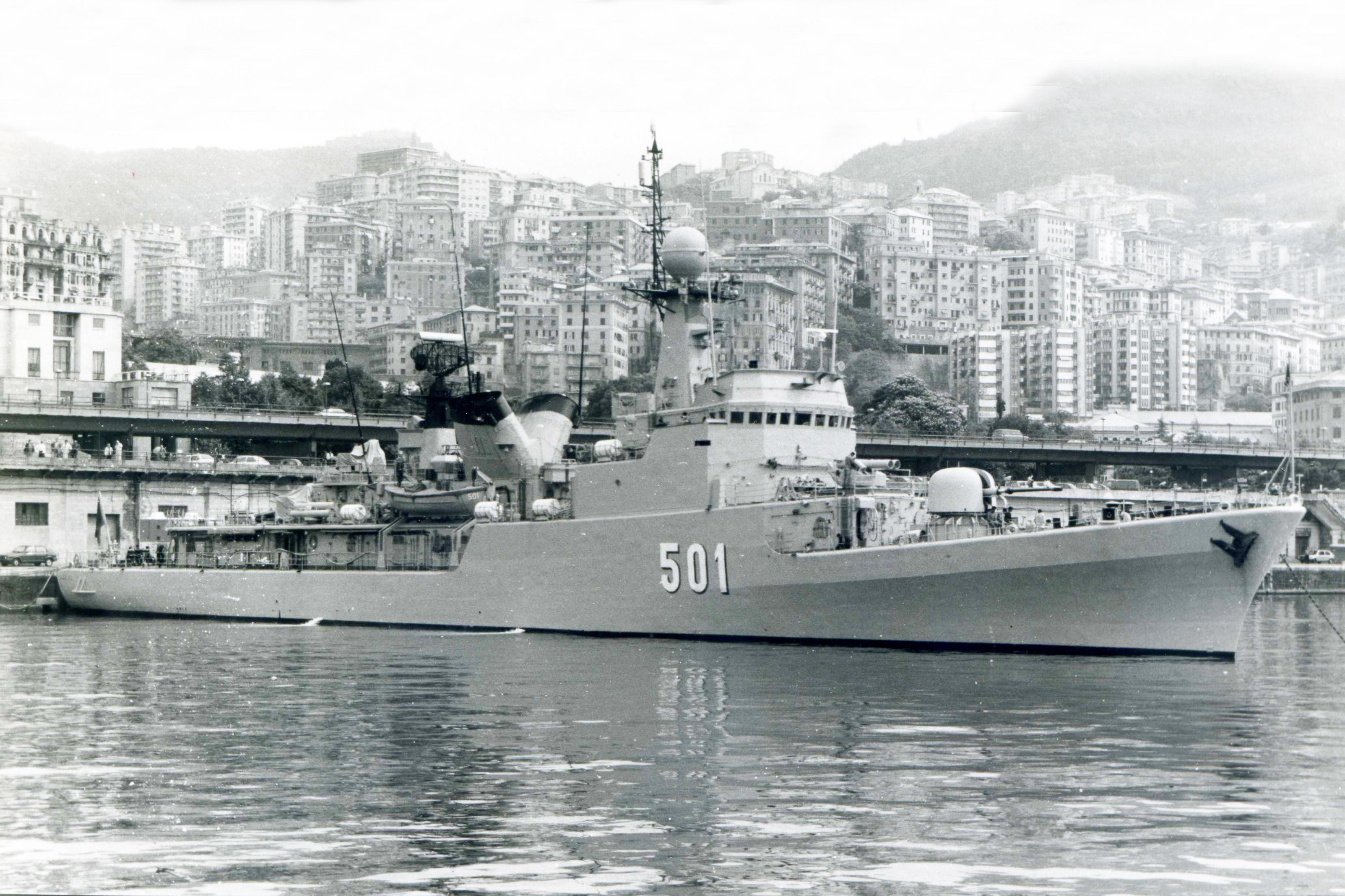 Royal Moroccan Navy Descubierta Frigate / Patrouilleur Océanique Lt Cl Errahmani - Bâtiment École - Page 4 3260087