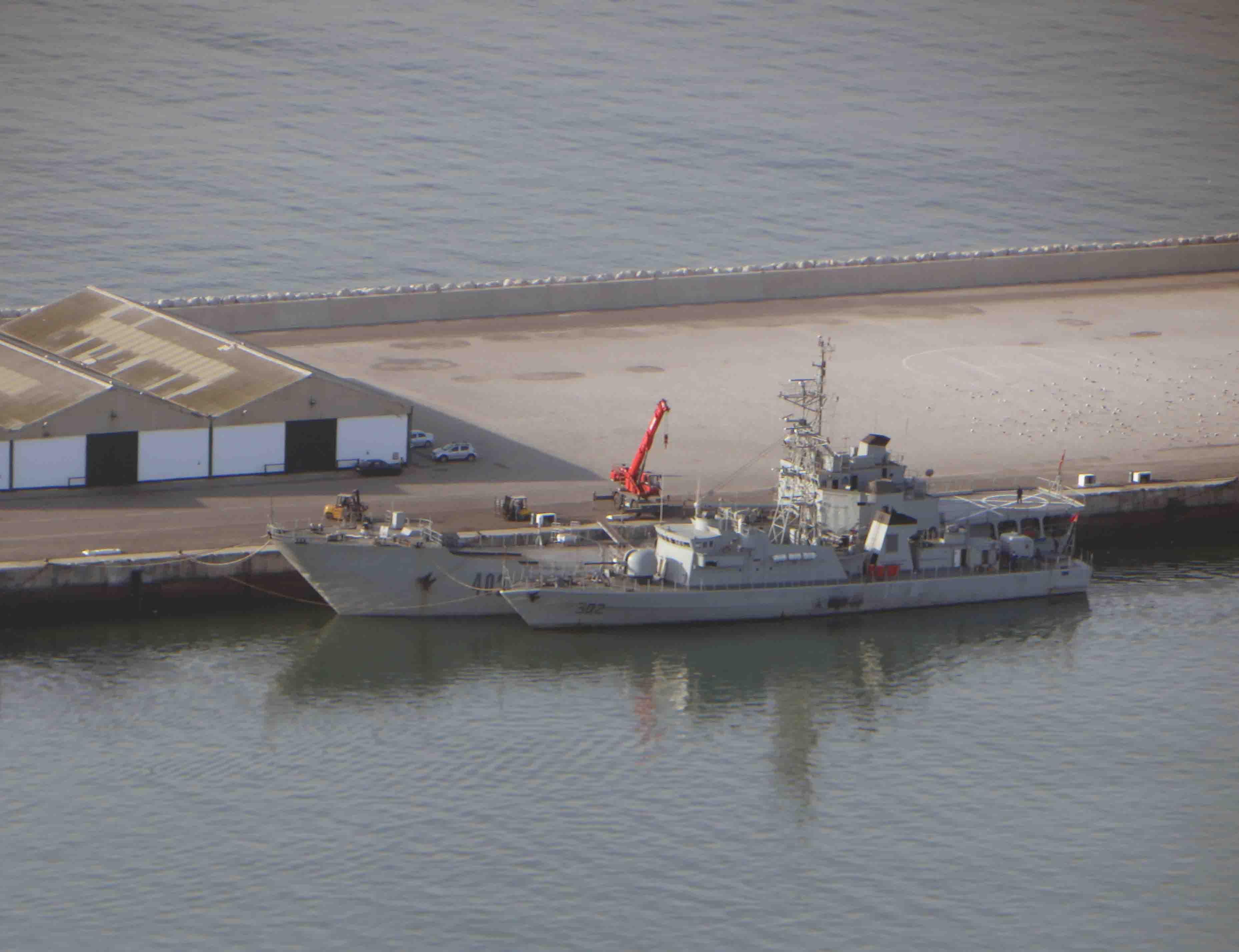 Royal Moroccan Navy Batral LST Class / Batral marocains classe Daoud Ben Aïcha - Page 4 2851797