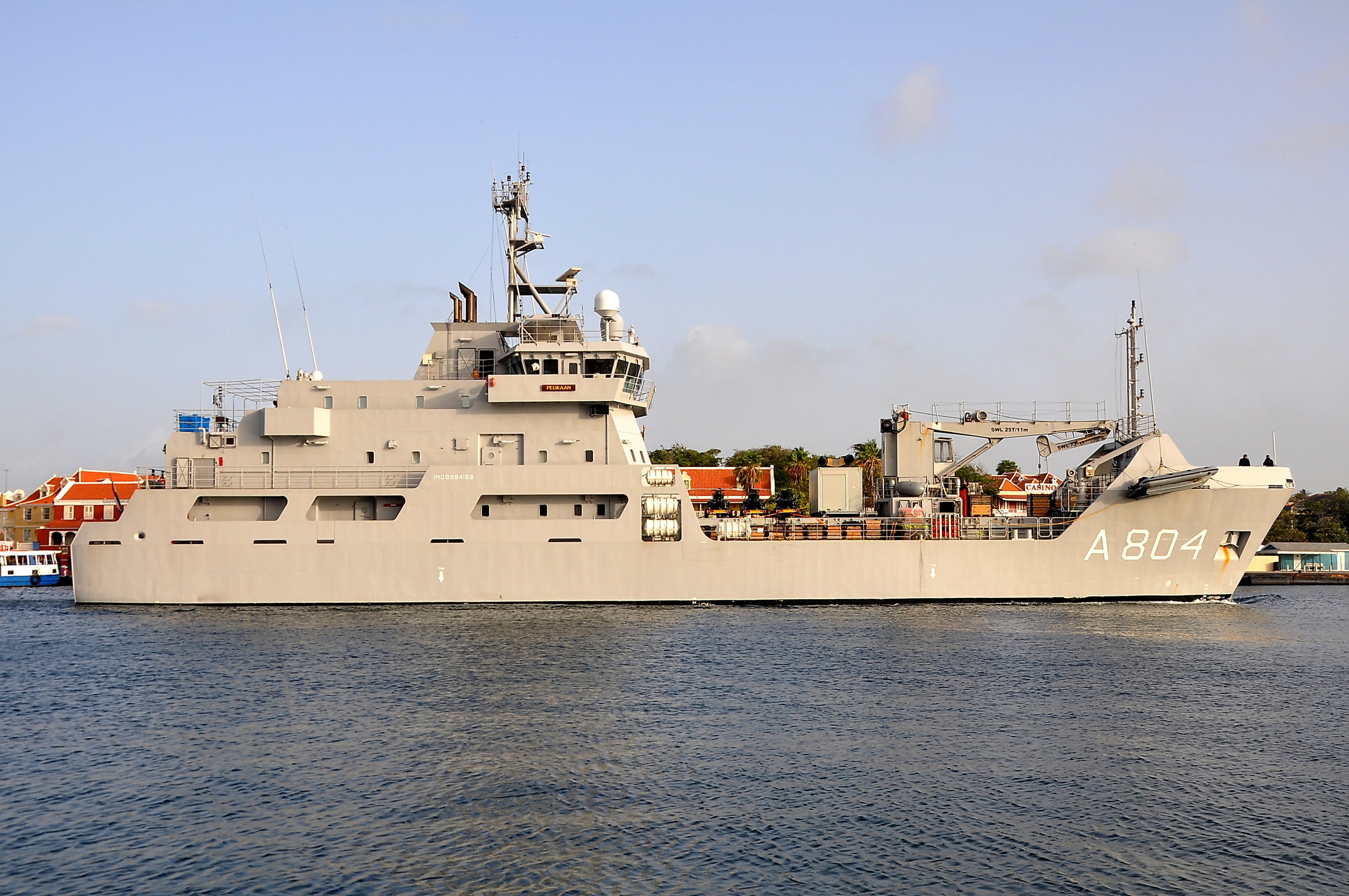 Logistic support vessel HNLMS Pelikaan (A804) 2669748