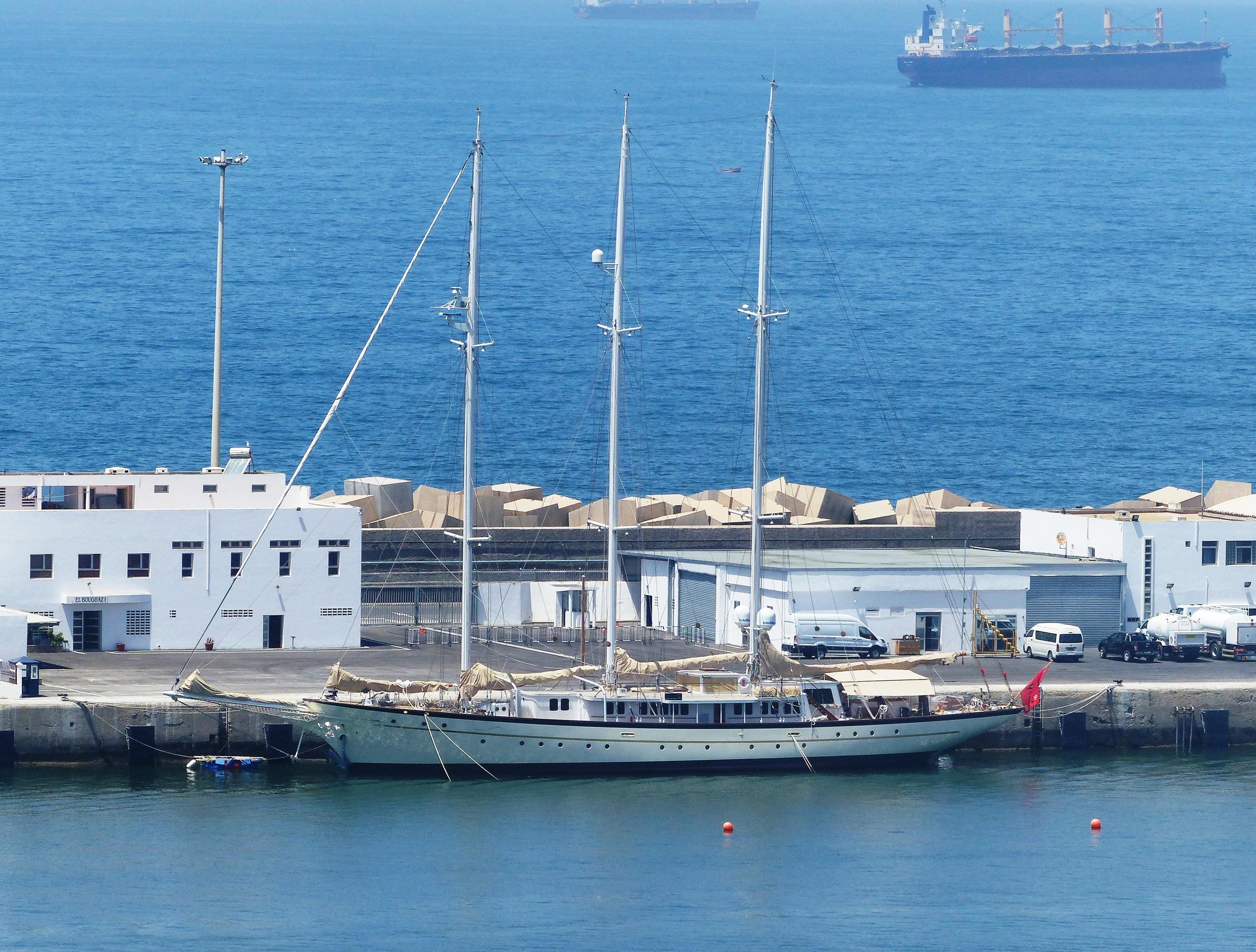 la flotte des Yachts Royals : El Boughaz I - Badis 1 - Page 2 3038088